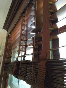 best way to dust wood blinds