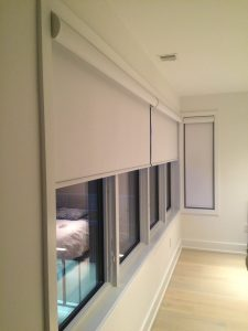how do remote control blinds work
